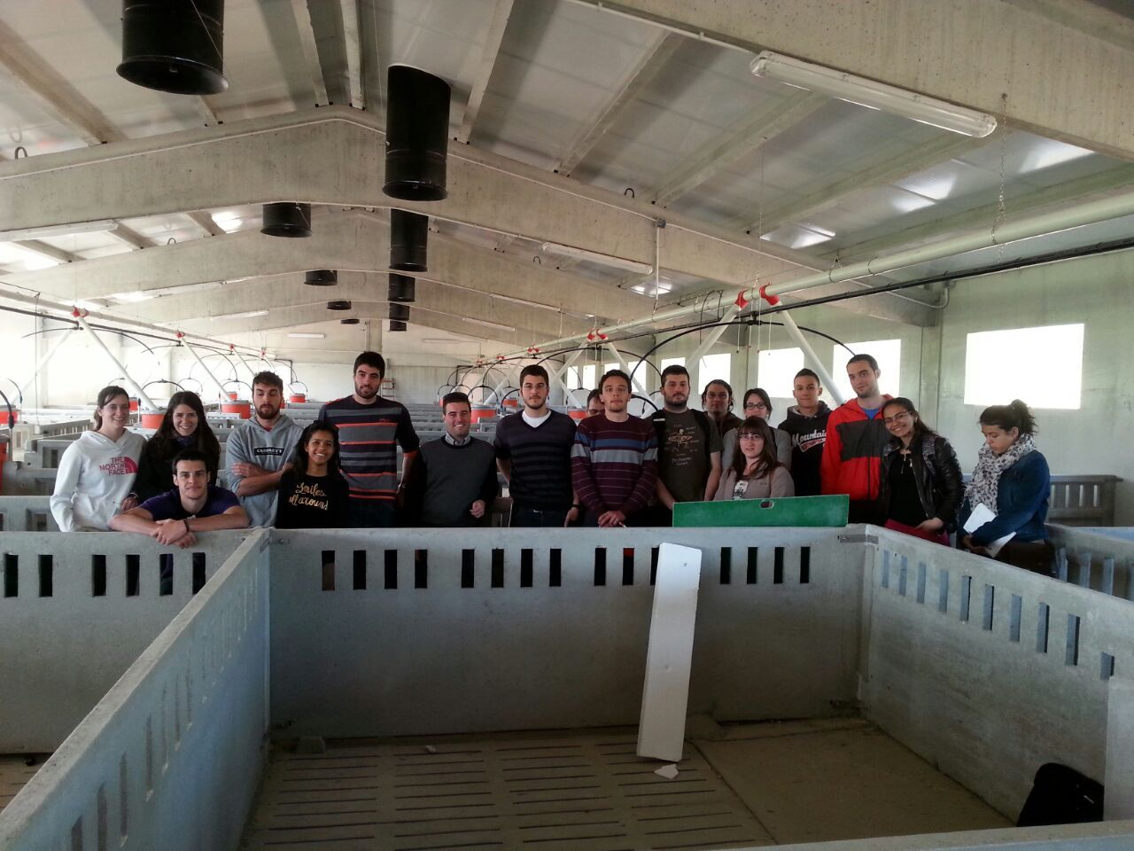 visita alumnos granja Sabayes